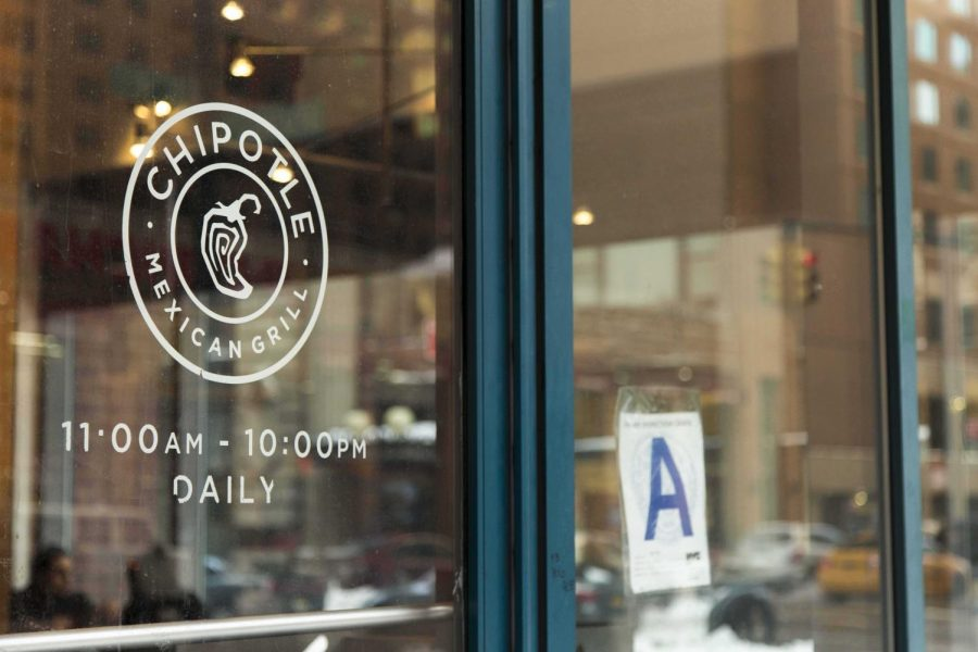 Storefront+of+fast+casual+restaurant%2C+Chipotle