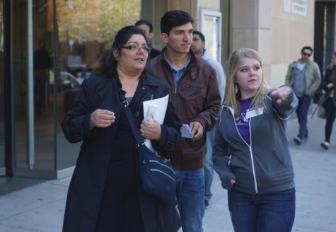 Admitted students explore campus with family, friends