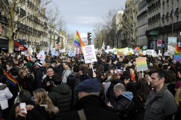 French take to the streets in support of gay marriage