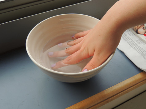 At-home manicure quick-drying tips
